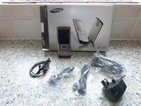 Samsung Silhouette SGH-U800: Mobile Phone - £25