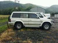 Mitsibishi pajero 2'5 td auto lwb.