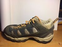 Salomon junior walking shoes size UK 12 1/2 - Hardly used therefore in excellent conditions