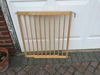 Lindam wooden stair gate very good condition