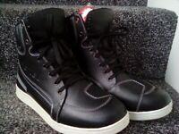 Waterproof Leather Biker Sneakers Size 9