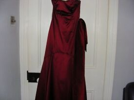Coast Long Prom Dress Size 8 But Was Profesionally Altered To A Size 6 Can Be Altered Back To An 8