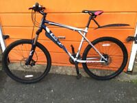 "GT Aggressor XC3 Mountain Bike 20"" Frame Hydraulic Brakes - Lock Out Forks"