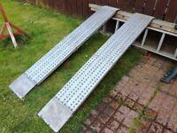 Heavy duty aluminium folding ramps