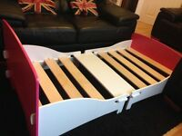 2 childrens single beds/ toddler beds good condition