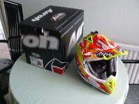 Airoh Aviator Clash 2.1 Gloss Top Spec Carbon Motocross helmet