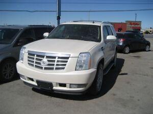 2010 Cadillac Escalade WOW LUXURY FAMILY SAFE