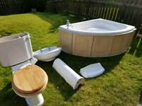 Full bathroom suite. Excellent used condition