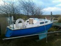 Yacht 19 ft with mercury outboard