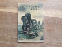 Stonehenge and Avebury. An illustrated guide by R.J.C. Atkinson 1959