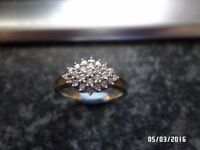 LADIES GORGEOUS 9CT GOLD 0.25 CT DIAMOND RING