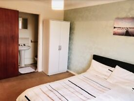 Large Double Ensuite Available from 15/6