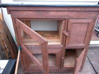 EX QUALITY NEW RABBIT'S HUTCH