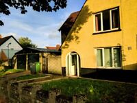 VERY LARGE 3 BED AVAILABLE NOW + GARDENS, STORAGE & PRIVATE PARKING
