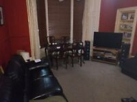 Double bedroom in shared flat free for 2 months in return for decorating work or £300/m