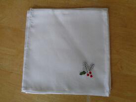 6 X Christmas napkins Brand new House clearance