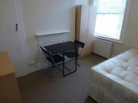 REALLY NICE DOUBLE BEDROOM TO RENT IN KILBURN / CRICKLEWOOD (ZONE 2)