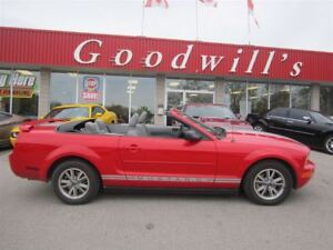 2005 Ford Mustang CONVERTIBLE! SUPER LOW KM'S!