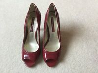 Ladies shoes, size UK 5