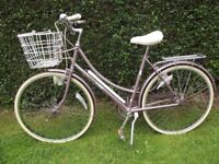 Stunning Mint Condition Raleigh Caprice Ladies Town Cycle Classic Dutch Style Loop Frame StepThrough
