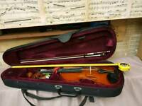 Small violin. Good condition.
