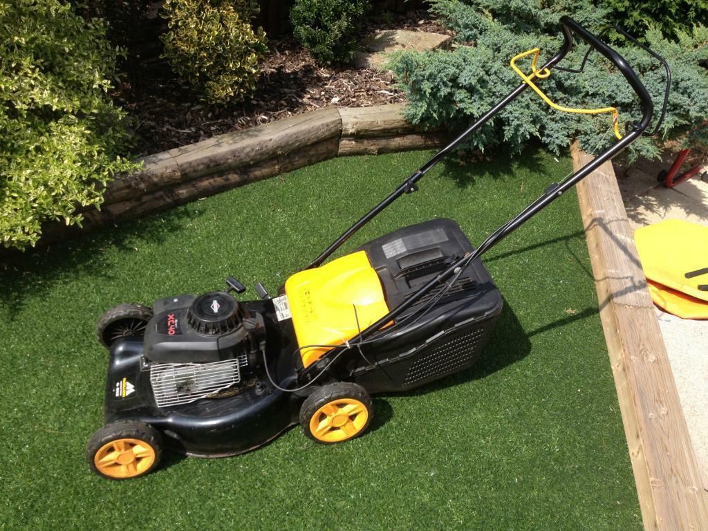Mcculloch Xc 40 Self Propelled Lawnmower With Briggs And