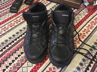 Komforns men's trainers black size 11/44 used £6 fur inside