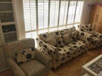 sofa & 2 armchairs **perfect condition** **£395 ONO**