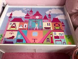 Princess castle play table