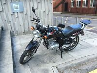 2013 Suzuki EN125-2A - great commuter and learner bike