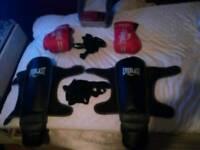 mma boxing gloves and muai thai kickboxings shinpads with hand wraps