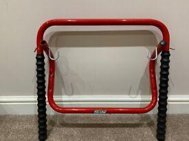 Mottez Folding 2-Cycle Wall Rack