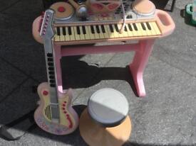 Child musical piano