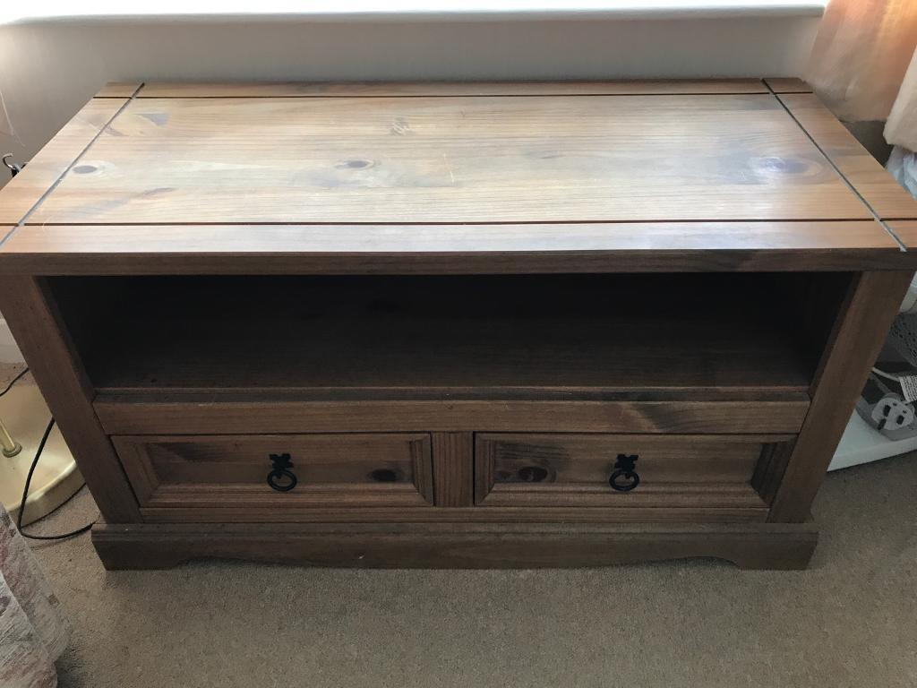 Wooden coffee table with draws and storage
