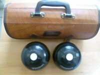 2 X GREENMASTER BLACK LAWN CROWN GREEN BOWLS AND 3 CARRY BAG B3441