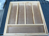 Wooden cutlery holder, size adjustable to fits all drawers