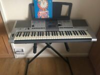 YAMAHA PSR E403 KEYBOARD WITH STAND-FULLY WORKING-GOOD CONDITION