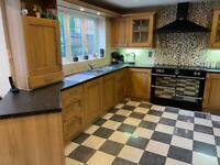 Oak kitchen doors and drawers (job lot)
