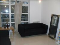 STUDENT INCENTIVES!! Beautiful fully furnished contemporary three bedroom apartment.