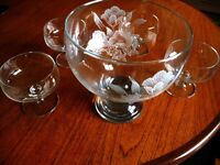 DESSERT GLASS SERVING BOWL PLUS 8 DISHES