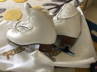 2nd hand RF3 Figure skates- Great condition