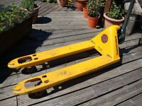 Pallet Trucks (top quality)