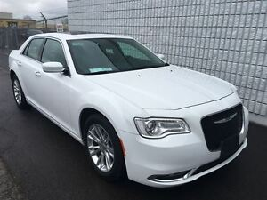 2015 Chrysler 300 Touring LEATHER HEATED SEATS!!!