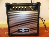 NEW BASS GUITAR AMPLIFIER / AMP - 15 Watts - SMALL / COMPACT SIZE PORTABLE