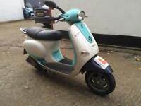 2002 Vespa Et4 125 cc learner legal 125cc scooter. Runs great. Needs minor repair.