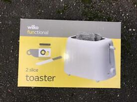 BN TOASTER STILL IN BOX