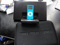 Apple iPod Nano 4th Generation blue(4GB) with Docking station