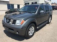 2006 Nissan Pathfinder LE AWD//LTHR//SUNROOF//DVD//CERTIFIED//2