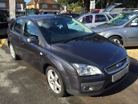 2005/55 FORD FOCUS 2.0 GHIA 5 DOOR,METALLIC GREY, P/X TO CLEAR,LONG MOT,GREAT SPEC,DRIVES WELL