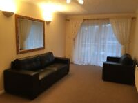 Beautifully presented 2 double beds apartment, immaculate condition, available to let Now
